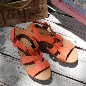 NWOB Clark leather orange wedge sandal